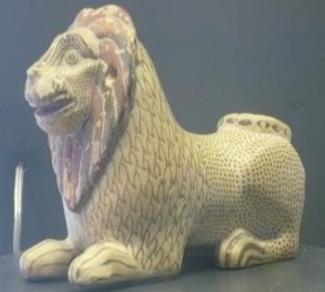 Syracuse Mus pottery lion