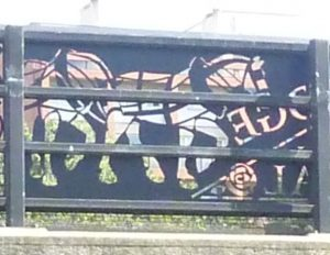 12 ironwork on Thornhill Bridge